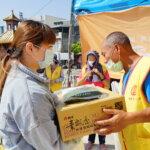 行動佛殿105站嘉義香湖公園本會關懷弱勢家庭致贈愛心物資