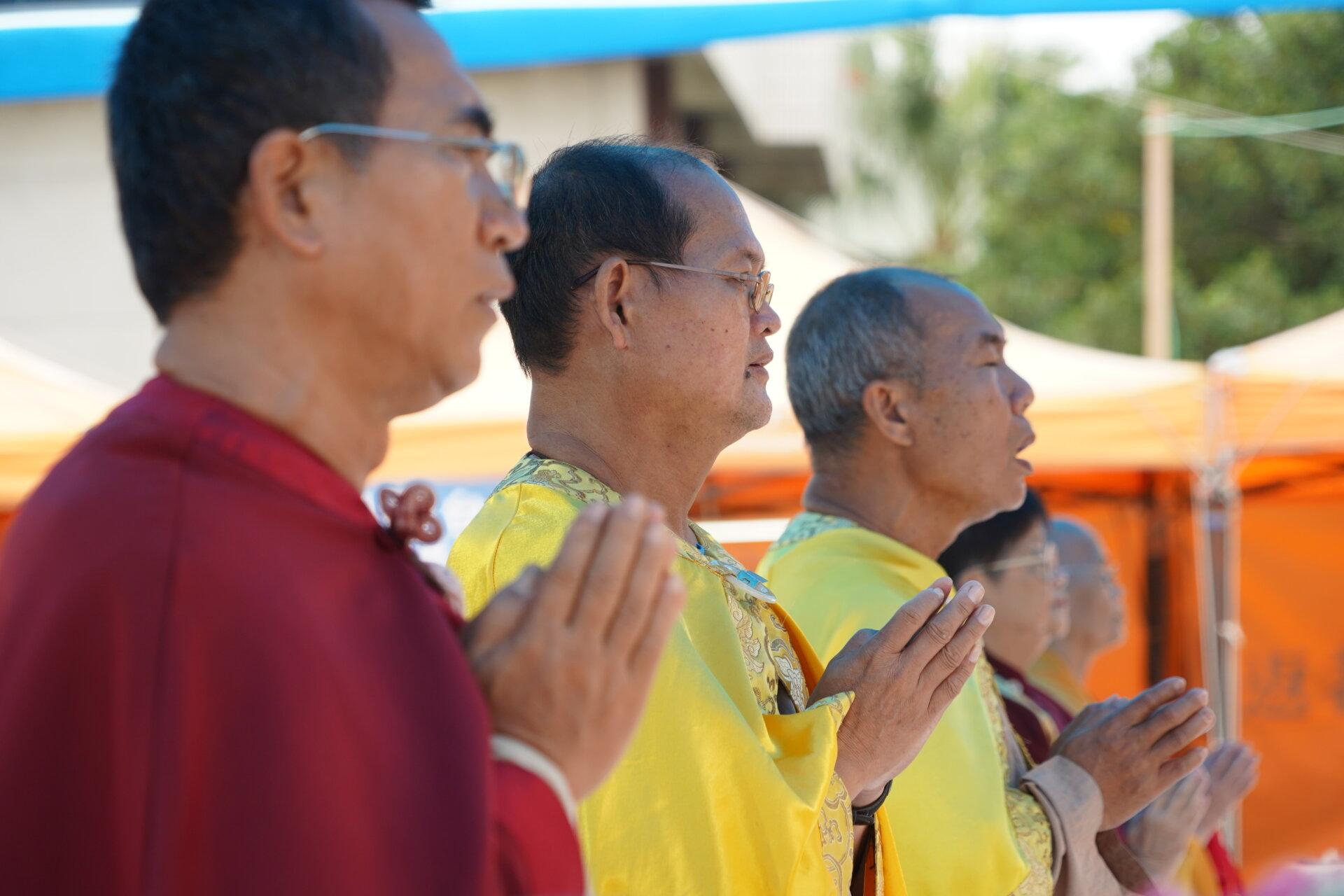 行動佛殿110站嘉義布袋魍港,信眾齊心誦經
