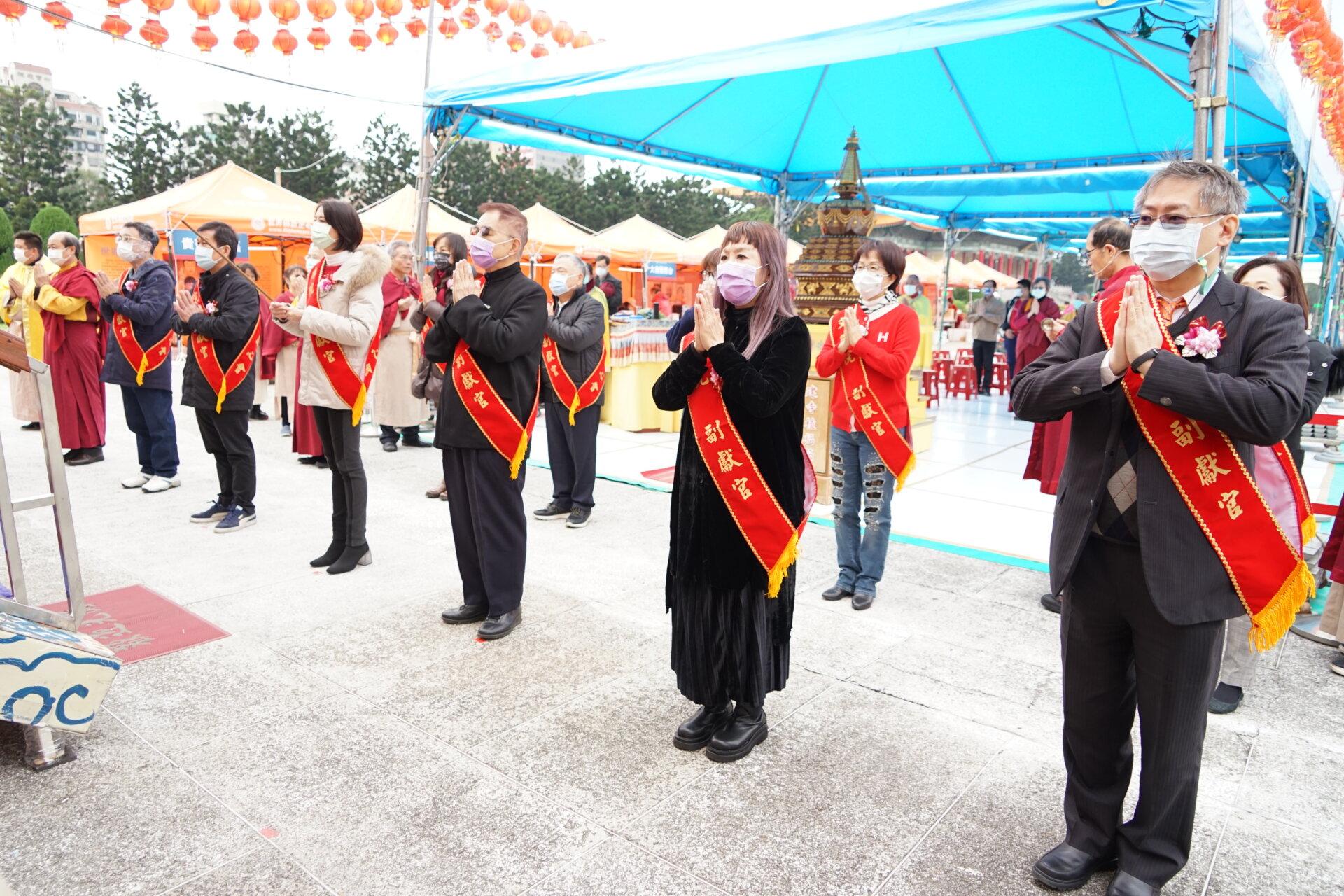行動佛殿117站台北中正紀念堂,貴賓上香祈福