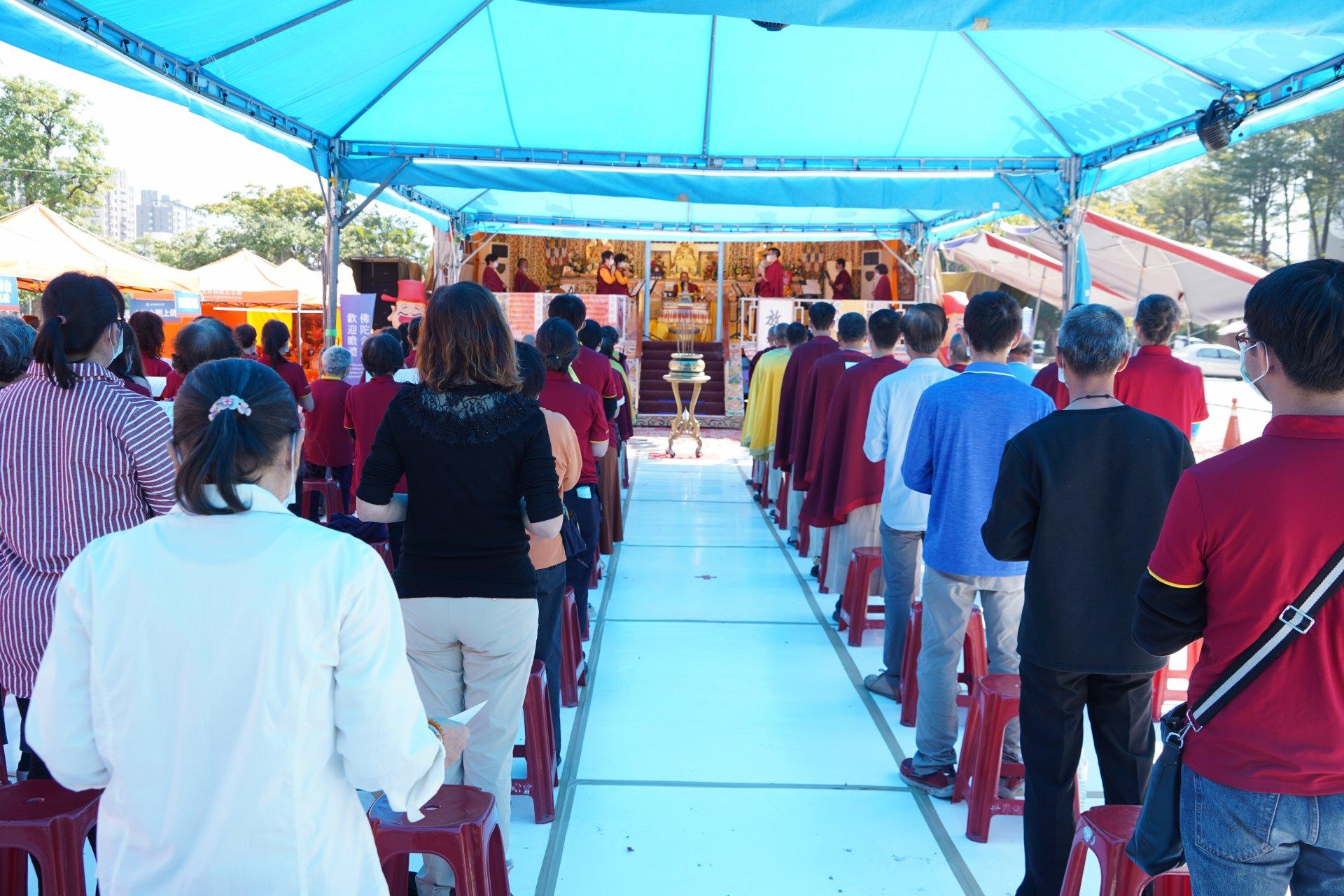 行動佛殿123站高雄前鎮,大年初五財富財神法會