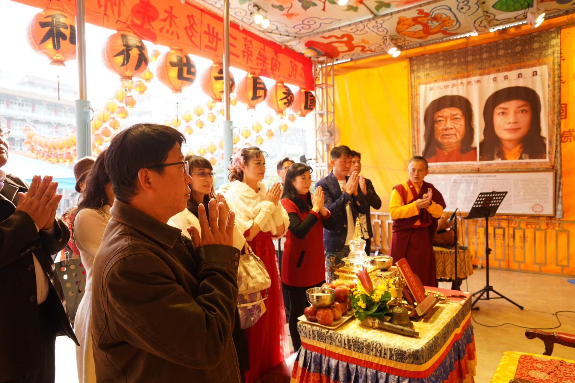 行動佛殿119站臺南麻豆,表演團體至佛殿頂禮諸佛菩薩