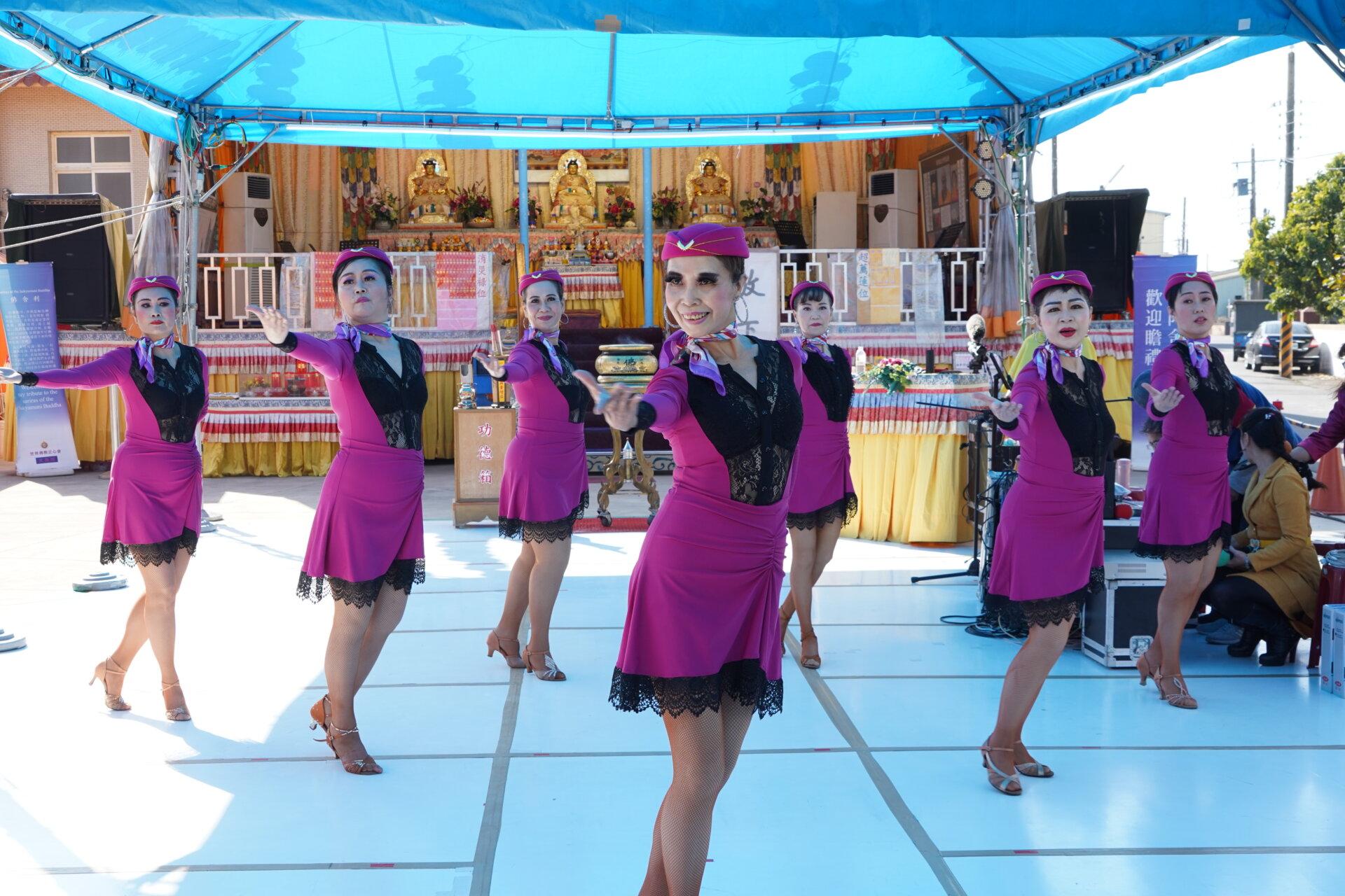 行動佛殿121站台南北門,學甲舞動青春舞蹈團