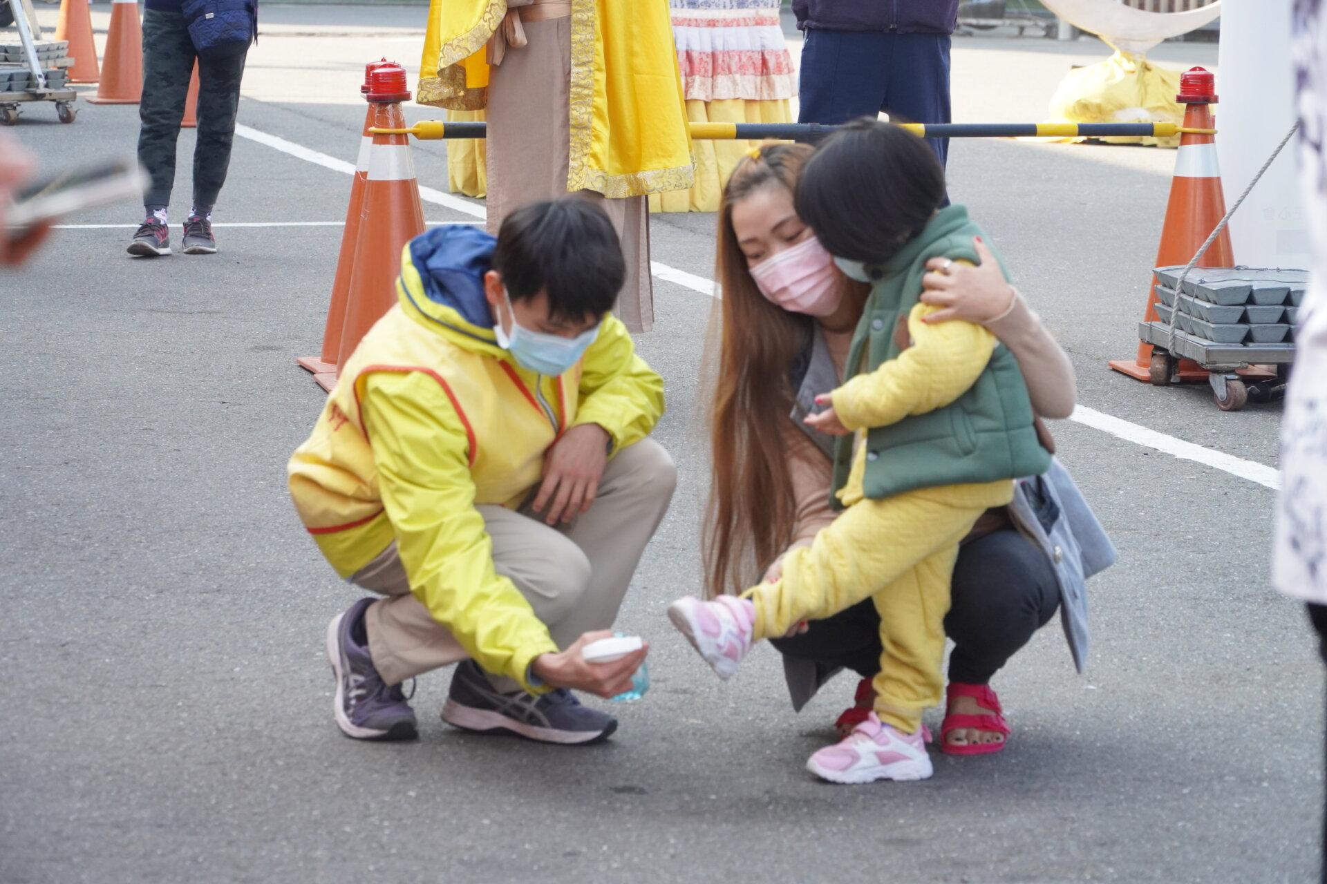 行動佛殿119站臺南麻豆,做好防疫措施入內需消毒