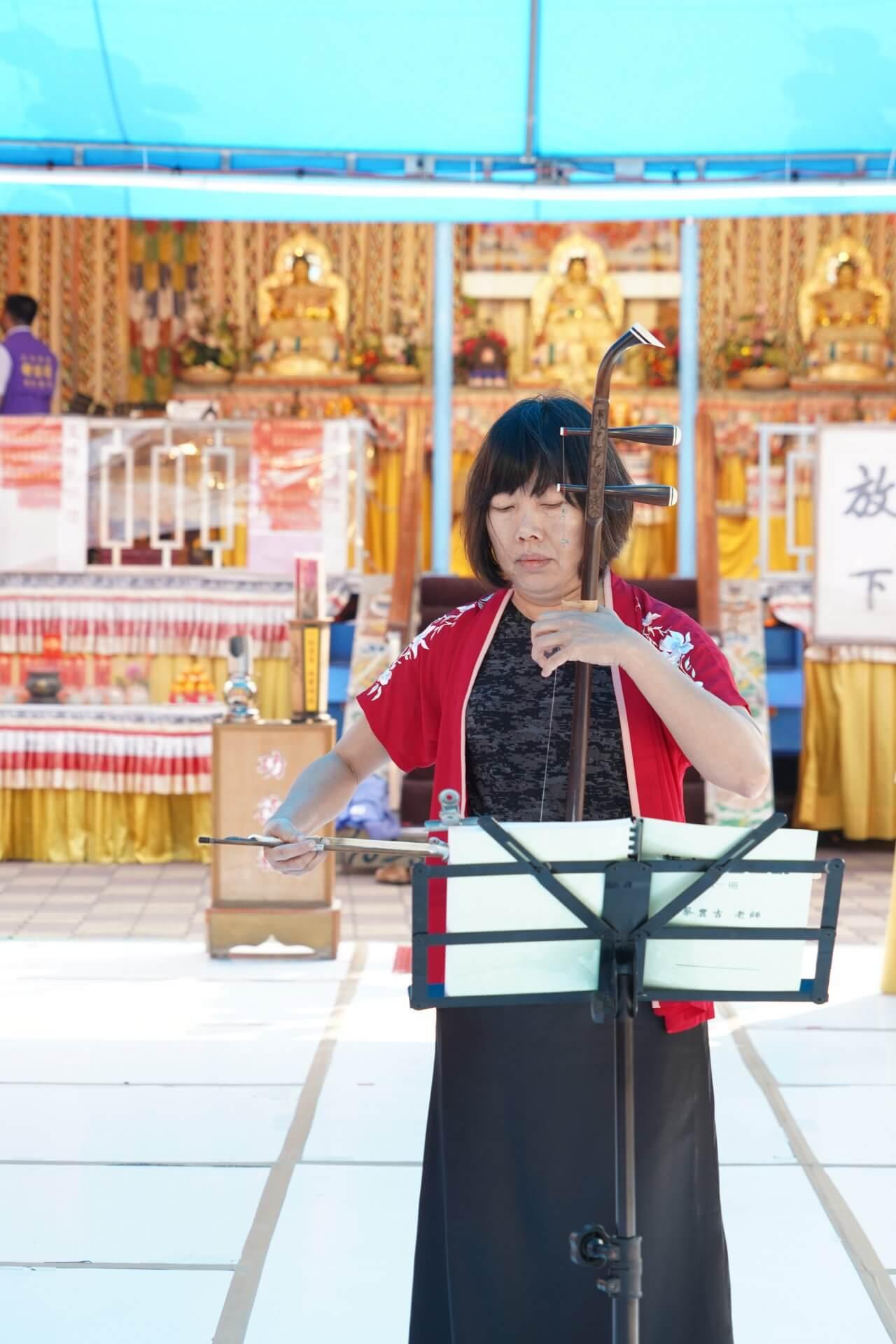 行動佛殿125站屏東里港,徐惠美老師二胡演奏公益演出